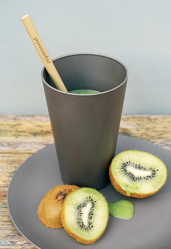 Zuperzozial Reload-Cup bekers donkerbruin tafel